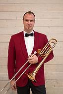 Nicolas Favre_avec instrument.jpg