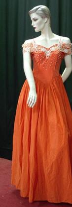 PN-20 (S-M) Orange - Whole body.JPG