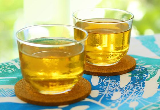 sanpin jasmin tea served in a couple of glasses in Okinawa