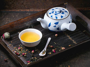 A Look Into Japanese Teapots: Types, Styles & Usage Recommendations