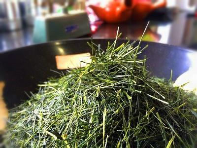 needle shaped light steamed sencha leaves