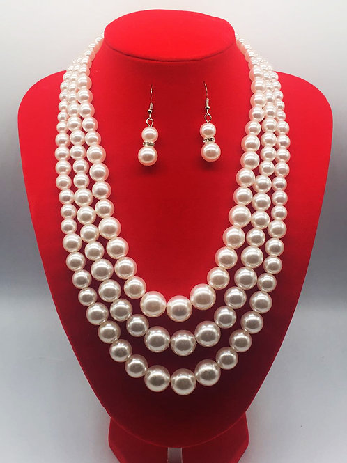 Pearls & Earrings Set