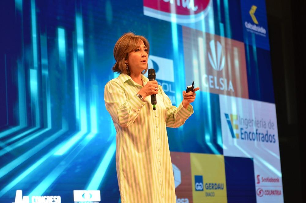 Los desafíos para el sector construcción fueron esbozados por la presidenta de Camacol, Sandra Forero.