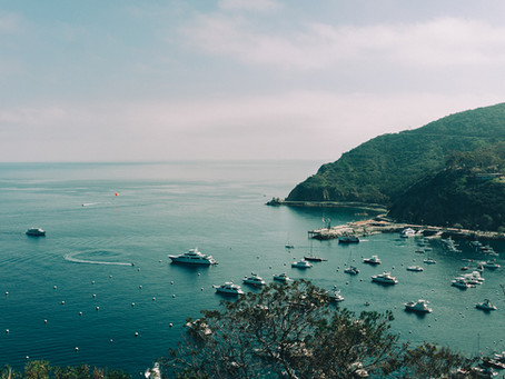 Superyacht Charter Etiquette: A Guide to On-Board Dos and Don'ts