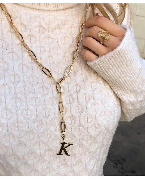 Collier chaine avec lettre