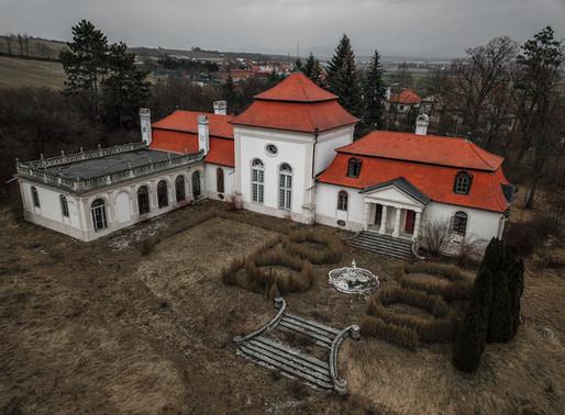 Kaštieľ v Dvorci