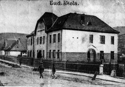 Stará ľudová škola (1913)