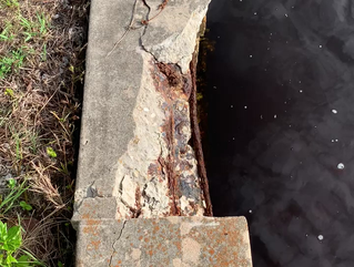Signs Your Seawall Needs to Be Replaced: