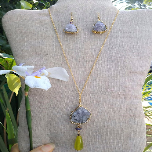 Amethyst quartz and Peridot. Eco-fashion Necklace