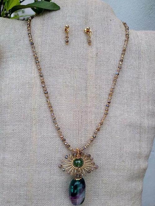 Emerald, Jasper, Fluorite. Set of necklace and earrings