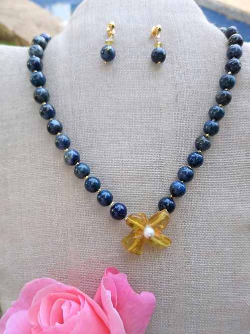 Lapis lazuli and Chiapas amber. . Eco-fashion Jewelry