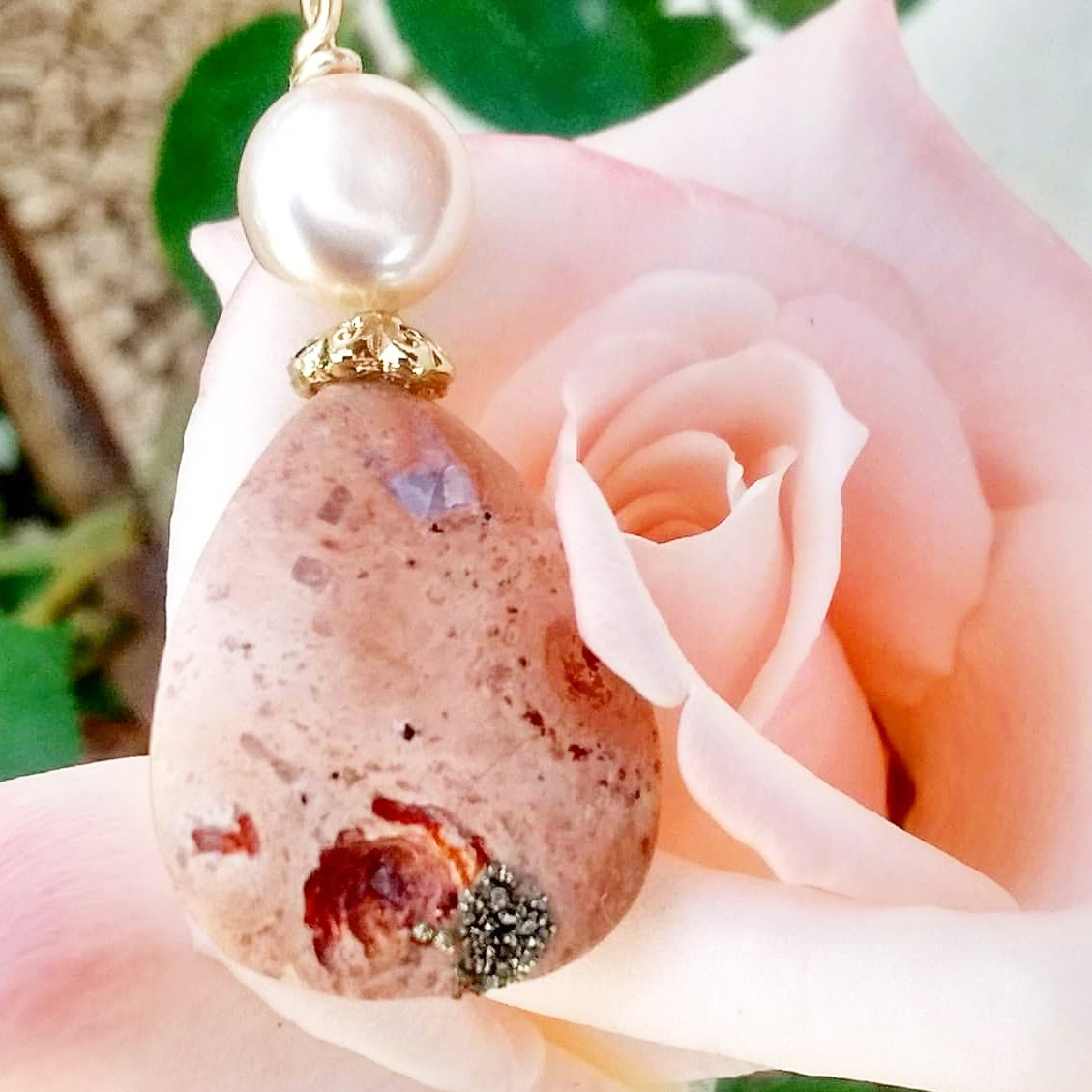 Opal of the mines of Magdalena and Iolite.Handmade Jewelry