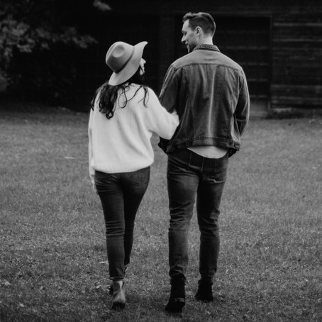 NAMORO: ainda existe esta forma de relacionamento afetivo?