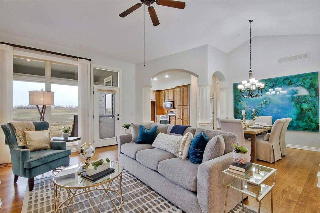 LoveLeeHomes Living Room with Big Art