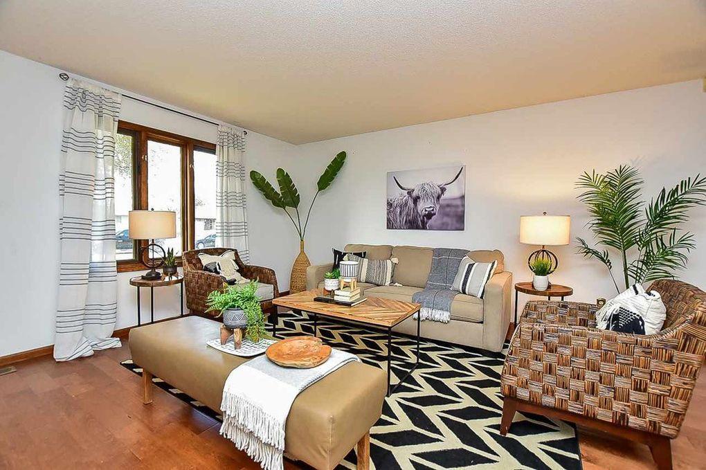 LoveLeeHomes Southwest Living Room