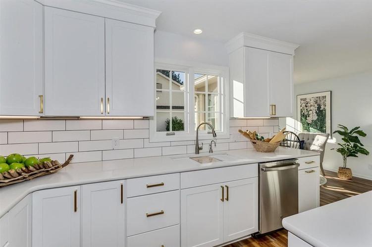 LoveLeeHomes Kitchen Decor