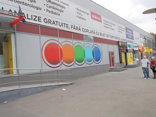 Colantare spatii comerciale Bucuresti - Print autocolant