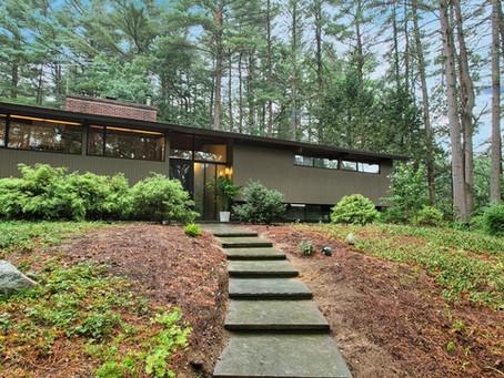 Mid Century Deck House