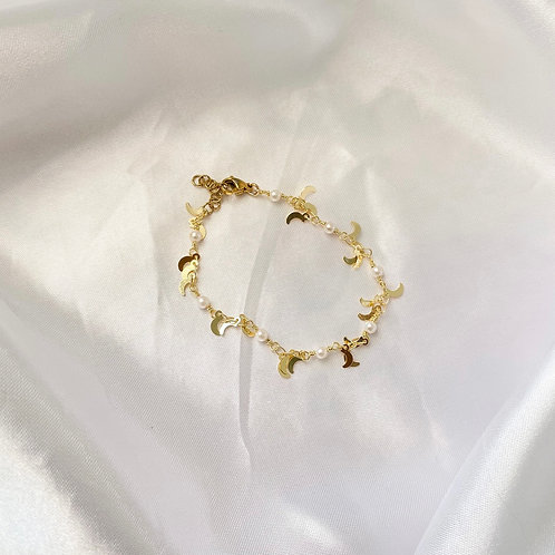 Moon Pearled Bracelet