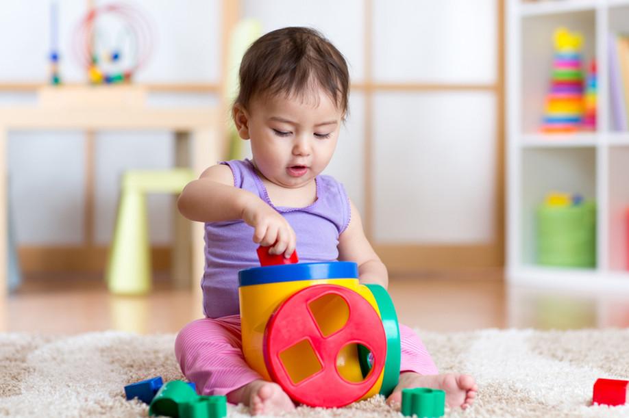 ¿Cuál es el juguete ideal para mi bebé? Aquí la guía de juguetes según la edad