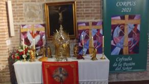 Un Corpus Christi, en el interior de los templos