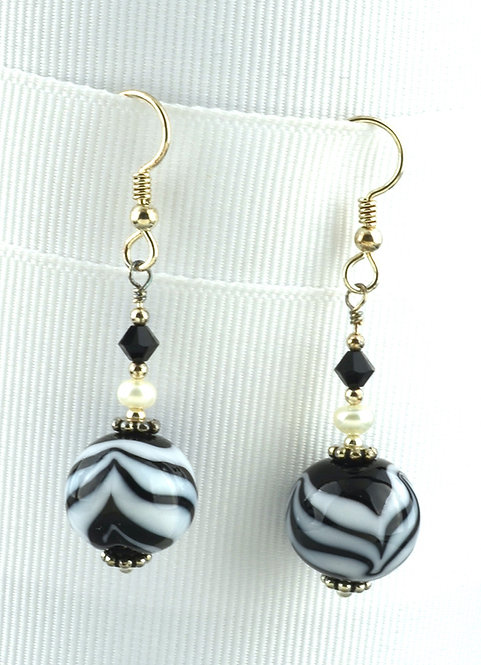 Round black/white bead & pearl earrings #0317