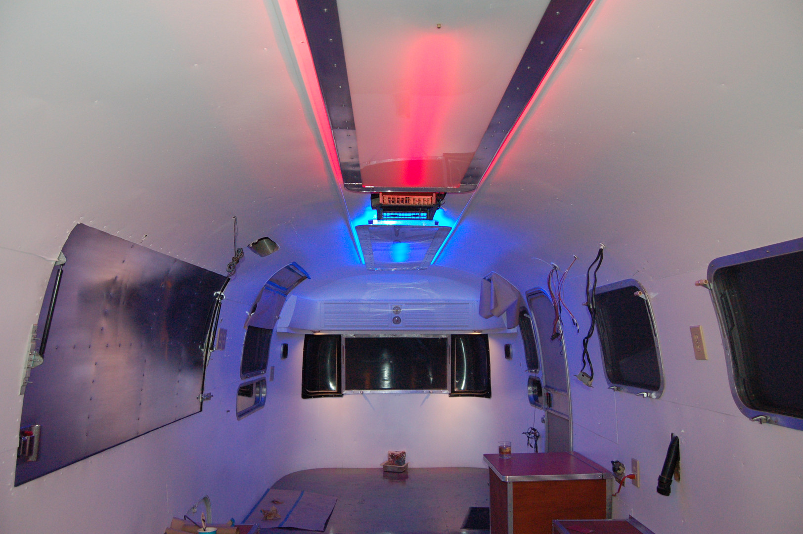 Overlander night LED pics - 16.JPG