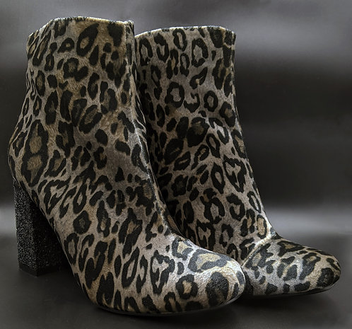 Leopard Boots (6 1/2)