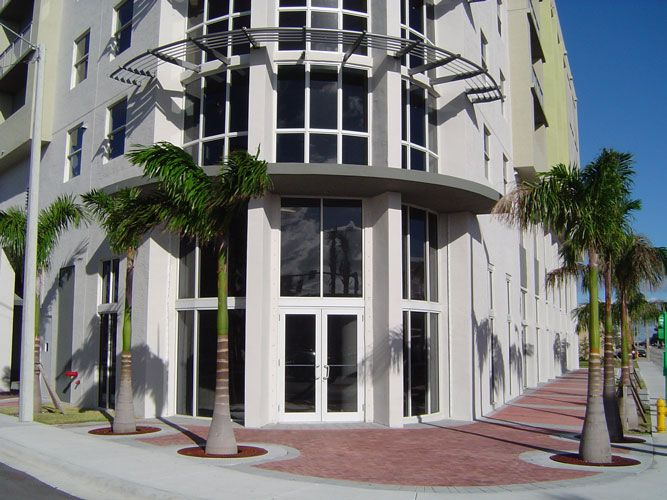 Altos de Miami Shoppes and Offices 03