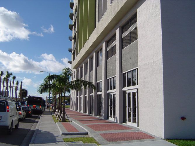 Altos de Miami Shoppes and Offices 04