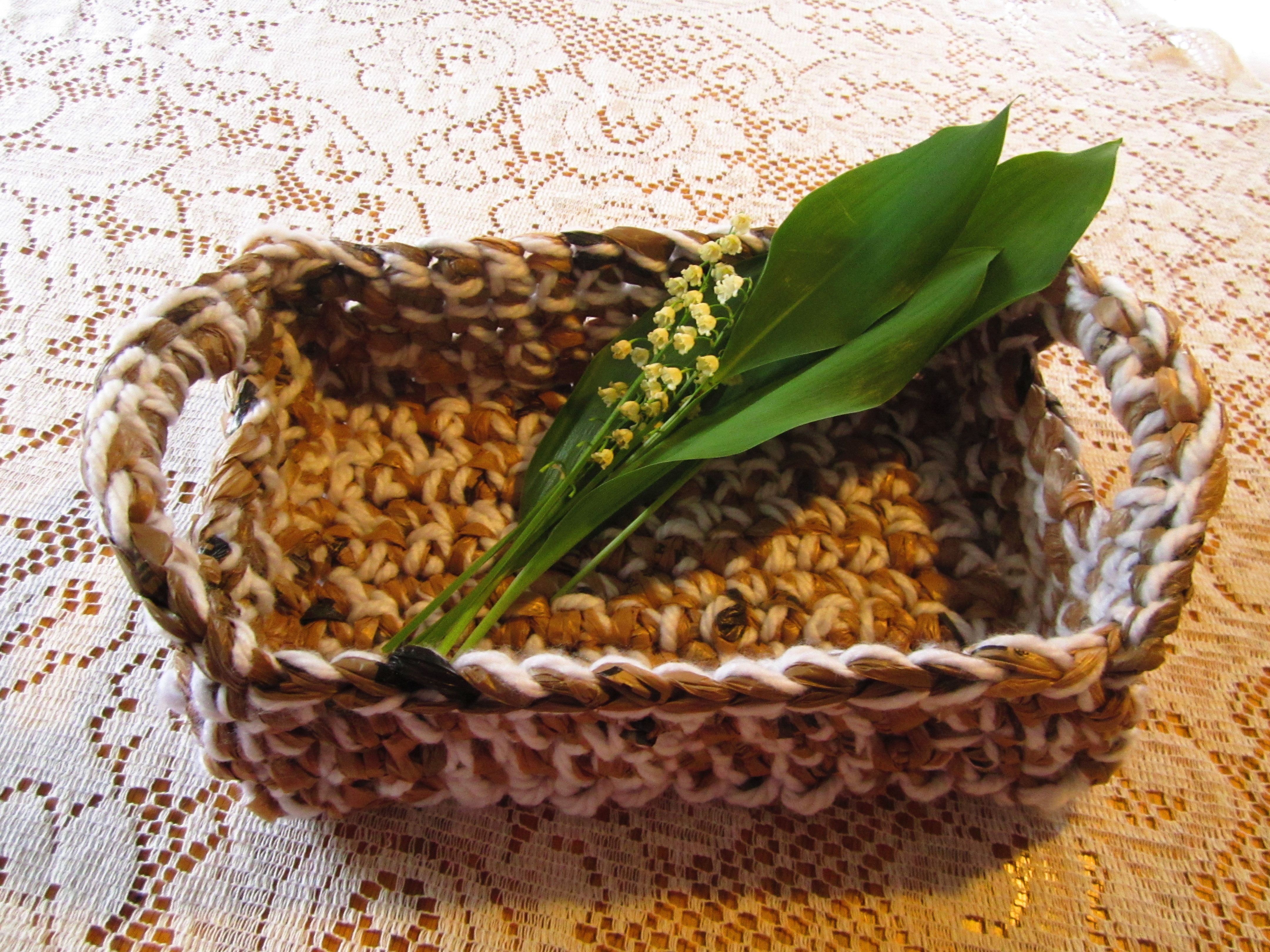 Flat Apple Basket
