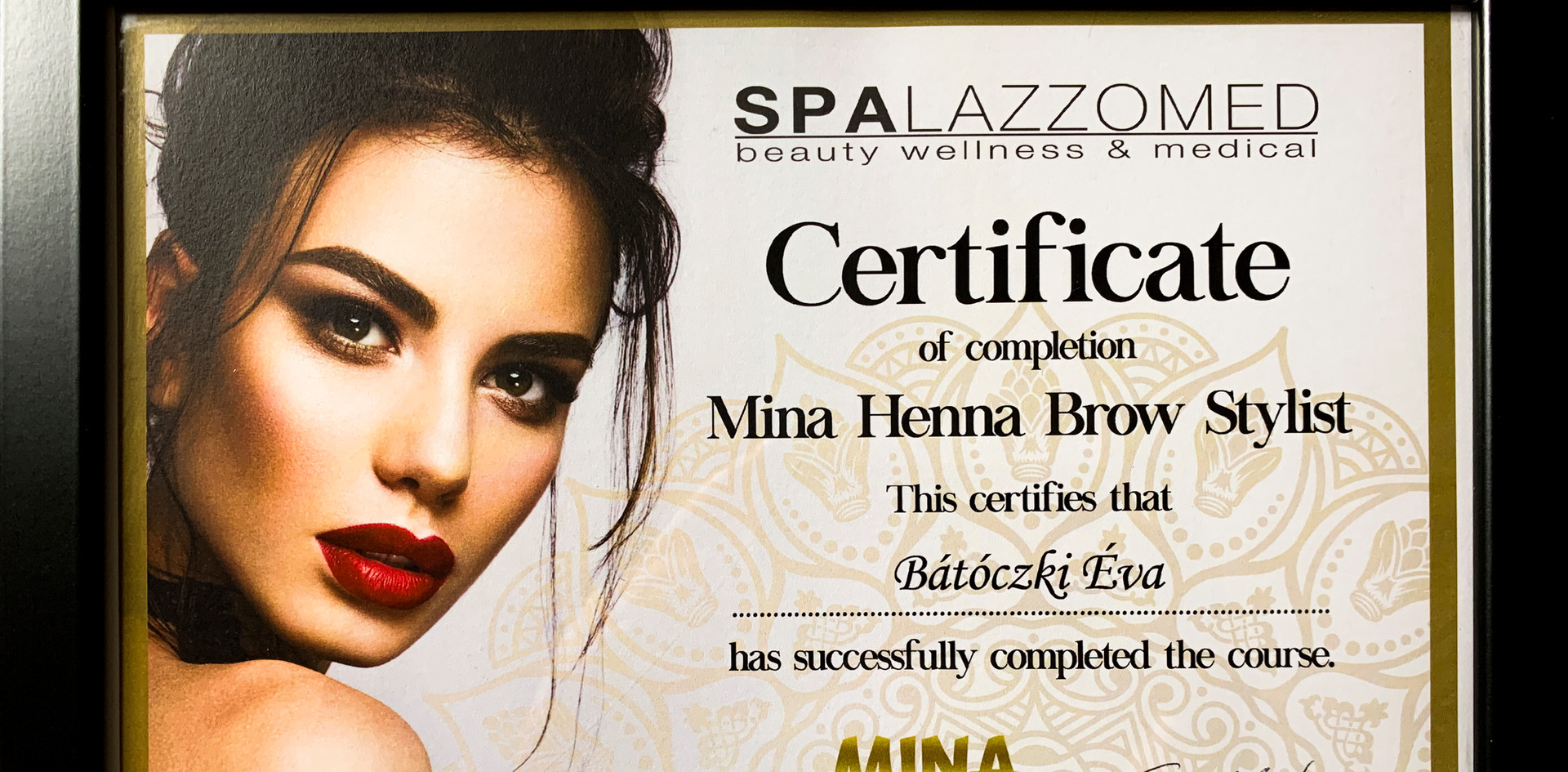 Diplôme Brow Henna - Éva Bátóczki
