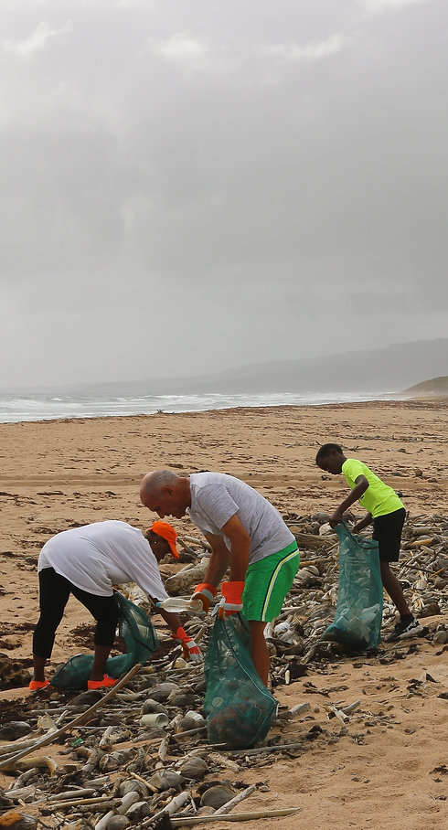 A%2520beach%2520cleanup%2520that%2520I%2520helped%2520organize%2520in%2520Barbados_edited_edited.jpg