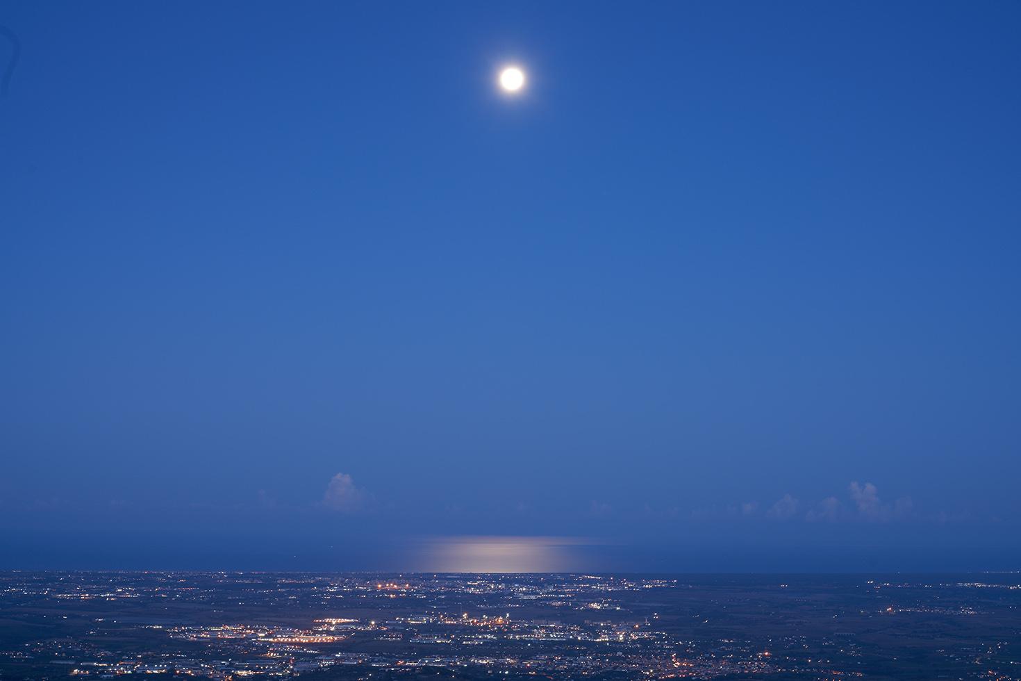 Moonset (Rome), 2020