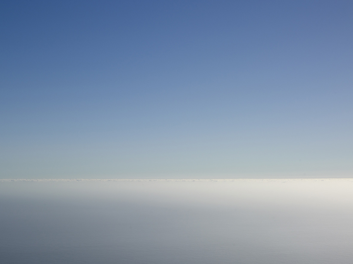 3. White horizon_90x120