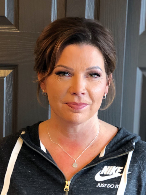Soft glam on Kelly for the Auto Show