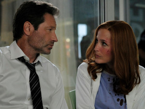 "TV REVIEW: X-Files: Season 11, Ep 1 (My Struggle III) - ""Gillian Anderson steps out of the Show"