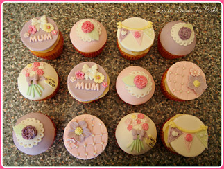 Pretty Mothers Day Gift Cupcakes