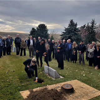 Selbu Pic Lacey  Bruce Kyllo Graveside C