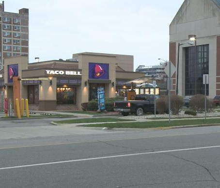 Taco Bell donating more than 100 tacos to Memorial Hospital