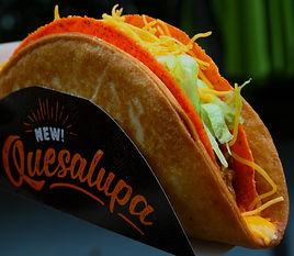 Taco Bell Doritos Quesalupa Crunch 2017.