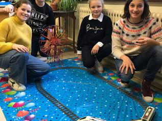 6de leerjaar bouwt een attractiepark