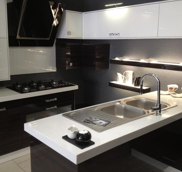 Hanex-N-White-Kitchen-worktops-1.jpg