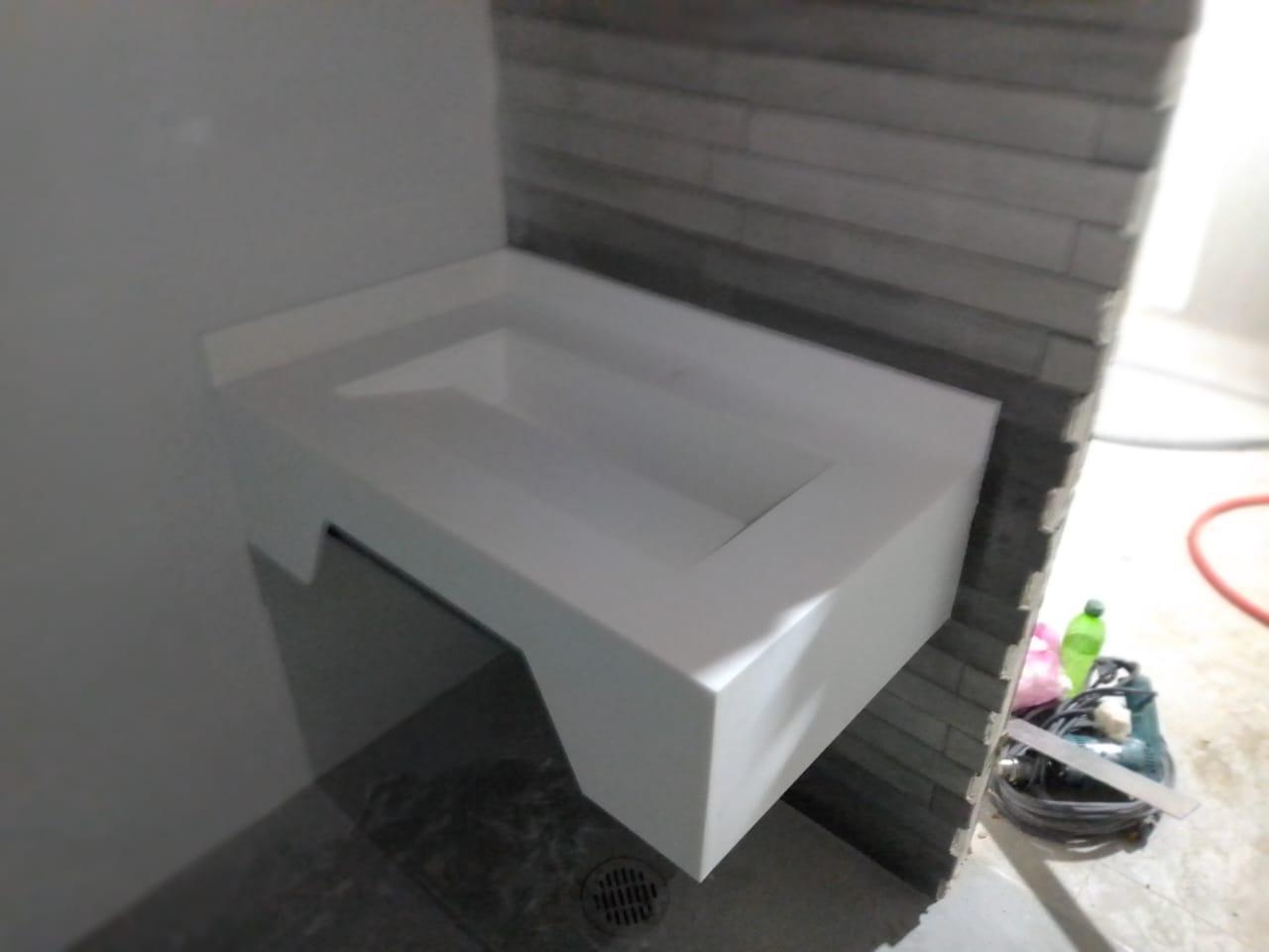 Lavabo de superficie sólida