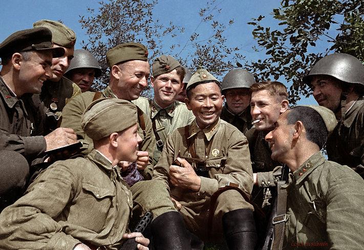 soviet-sniper-semyon-nomokonov-with-his-