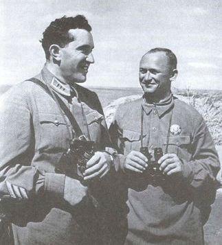 на командном пункте объединенной группировки ВВС. Район реки Халхин-Гол, июль 1939 года.jpg