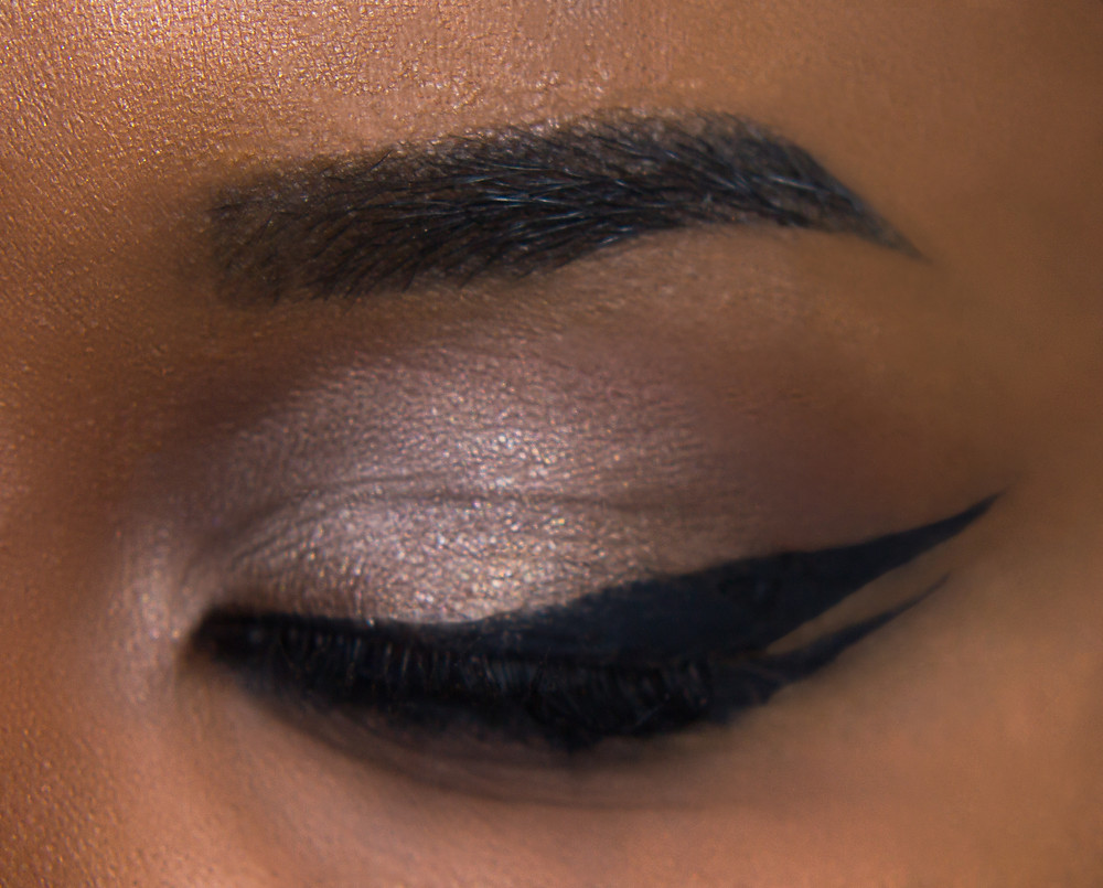 CLOVE AND HALLOW Double Wing Eyeliner