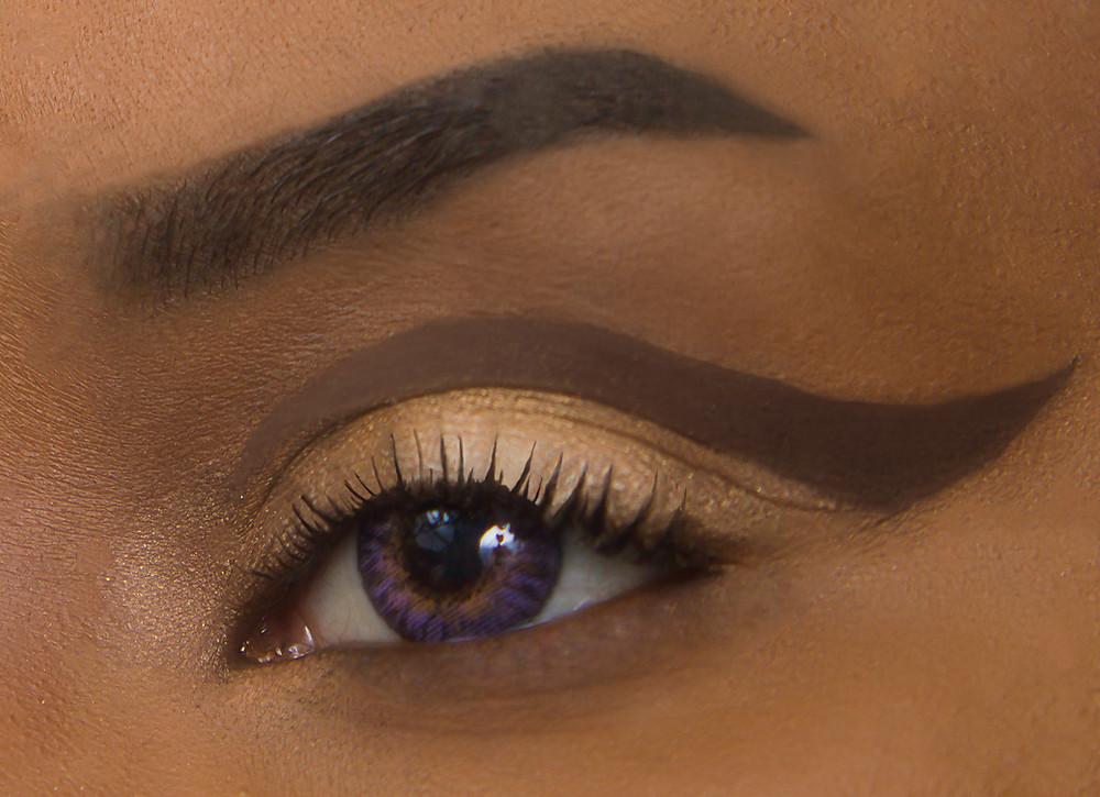CLOVE AND HALLOW Cut Crease Eyeliner