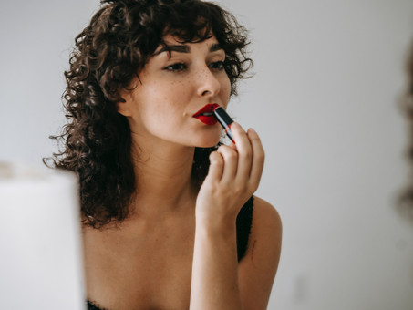 5 COMMON MAKEUP MISTAKES—AND HOW TO AVOID THEM