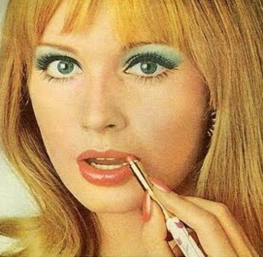 Pastel 70s Makeup
